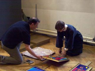 David and Katharine mounting a frame on a stand
